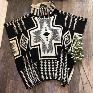 Nema Avenue | Black & Cream Aztec Print Poncho